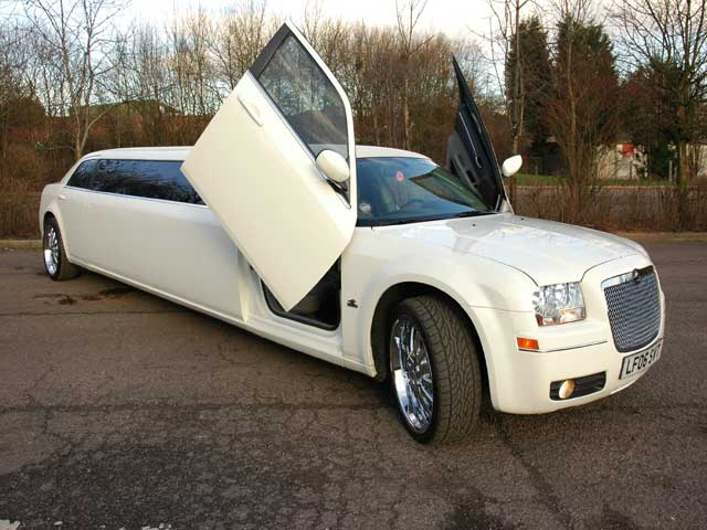 Baby Bentley Limo Prestige Chrysler C300 Stretch Limousines